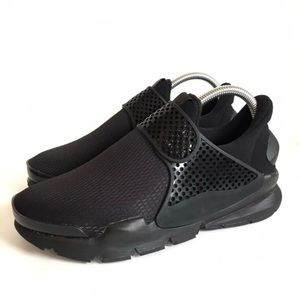 NEW Nike Sock Dart Black 6Y/7.5 Womens